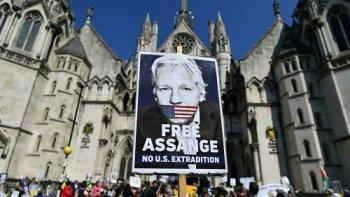 La lente agonie de la justice britannique (Consortium News) — John PILGER