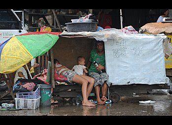 slide-Manila Slum